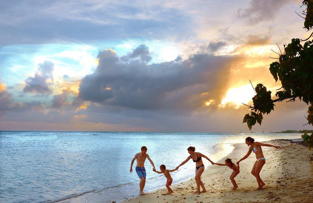 Family Beach Pixabay.jpg