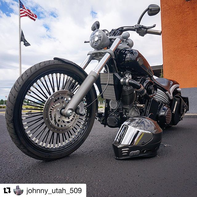 Awesome build. #ridewrightwheels #fatdaddy #50spoke #madeinamerica 🇺🇸#Repost @johnny_utah_509 ・・・ 🏍💨🚀💪🏻🇺🇸 #Boosted #HarleyDavidson #FXCW #FXCWRocker #Softail #Procharged #Procharger #Supercharged #AiredOut #BitchinBlowDryer #Horsepower #Torque
