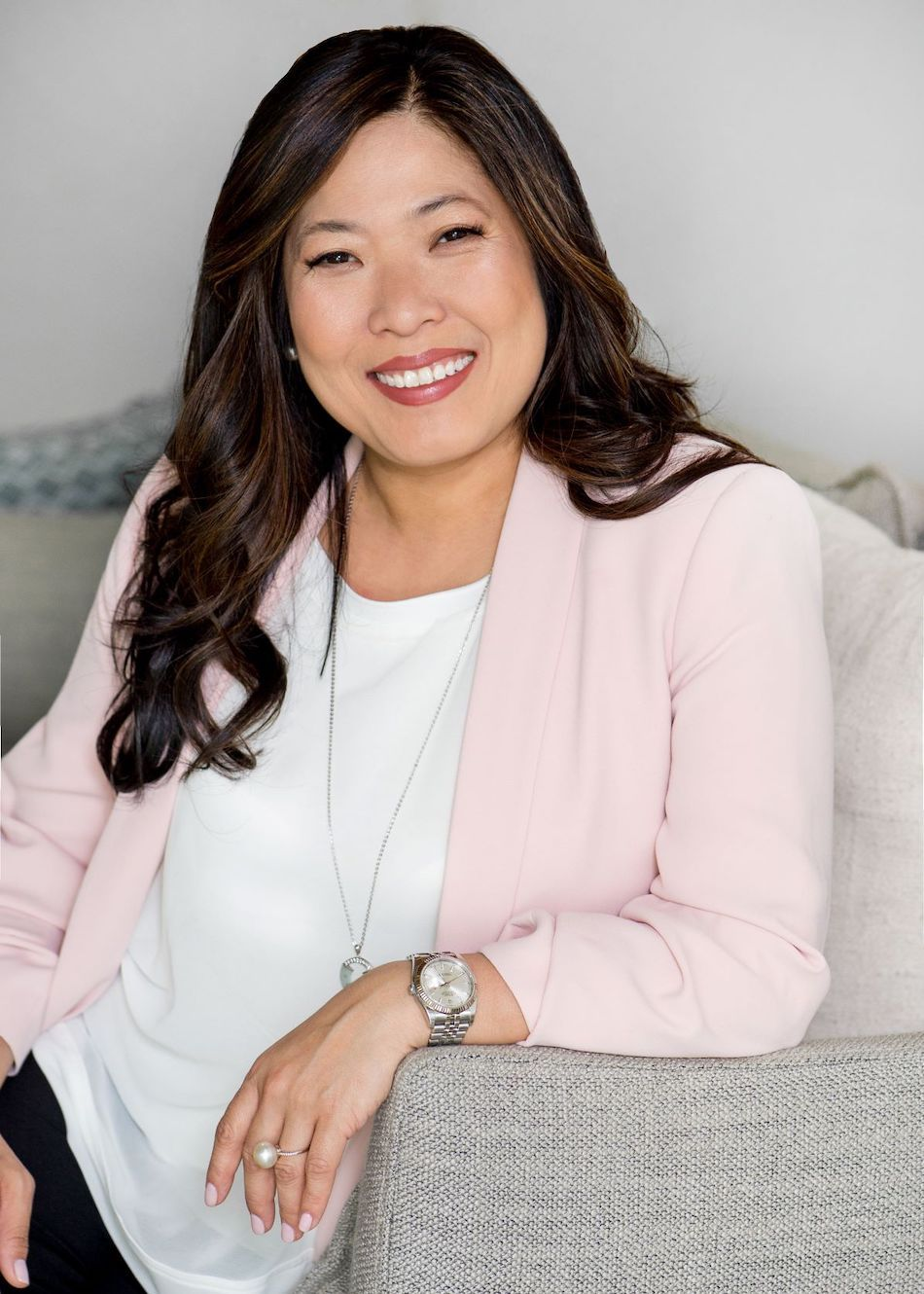 The Honourable Mary Ng, Minister of Small Business and Export Promotion helps entrepreneurs create prosperity through trade and innovation, particularly through the promotion of export opportunities for Canadian small- and medium-sized enterprises (SMEs)