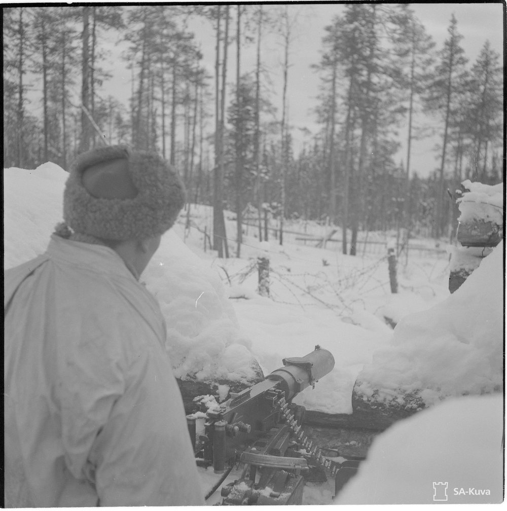 A Finnish machine gun position overlooking no-man's-land, February 1944. Source:  SA-kuva , the Finnish Defense Forces Wartime Photograph Archive.