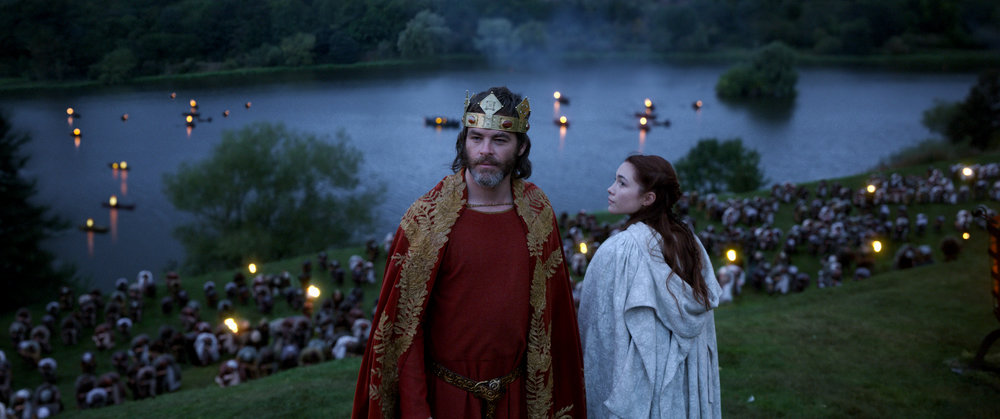 Chris Pine and Florence Pugh as Robert the Bruce and Elizabeth de Burgh in  Outlaw King , directed by David Mackenzie.