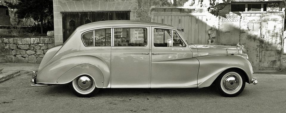 Vintage-Car-Limousine-Classic-Car-limousine-rental-services-utah.jpg