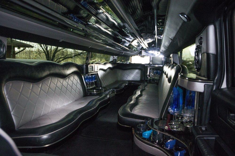 Divine-Limousine-Hummer-Stretch-18-Passenger-Inside-3.jpg