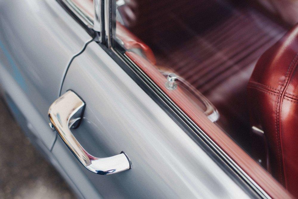 Limousine-door-with-window-showing-interior.jpg