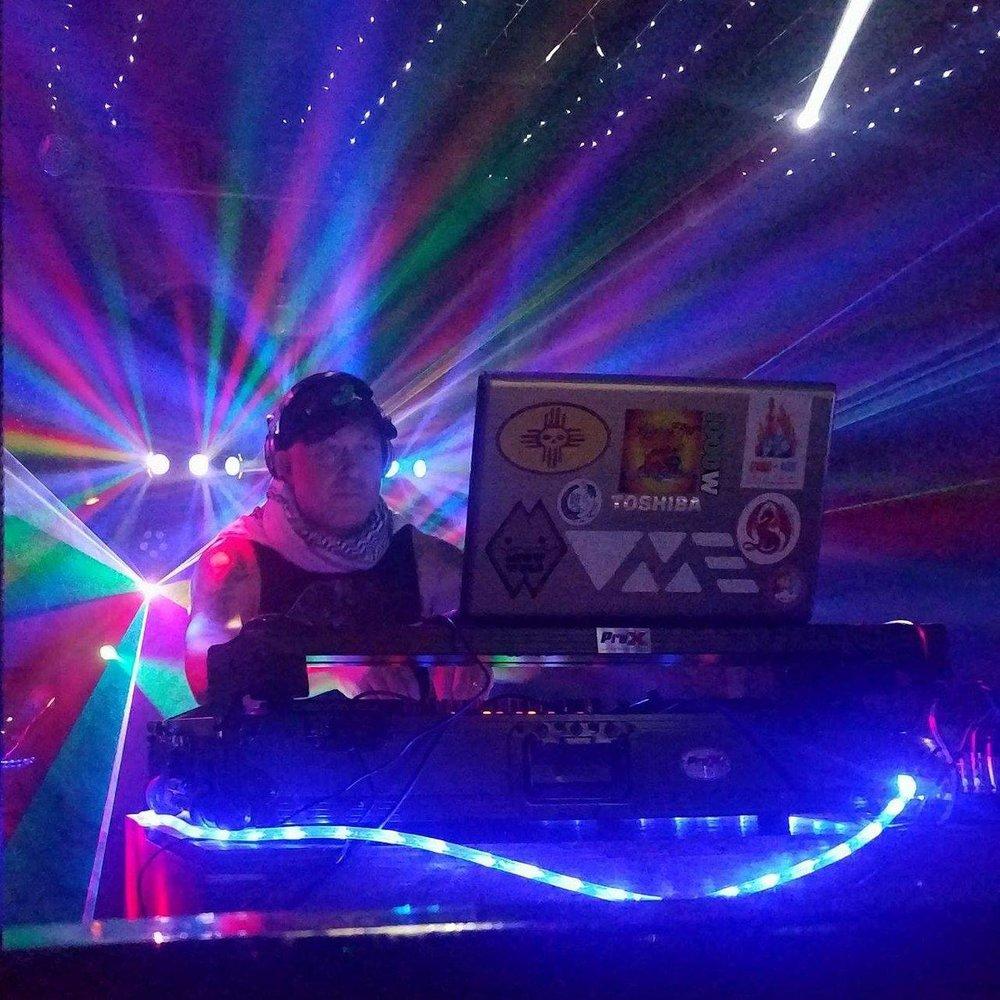DJ Joe-e