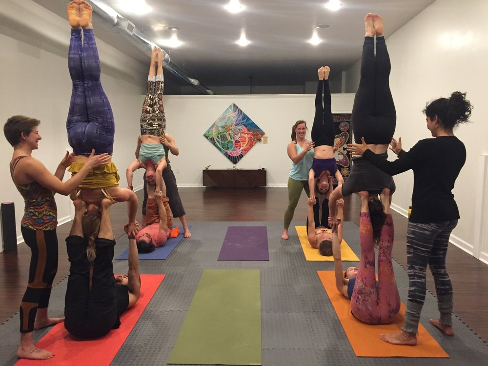 acro yoga-asheville-classes-workout-fitness