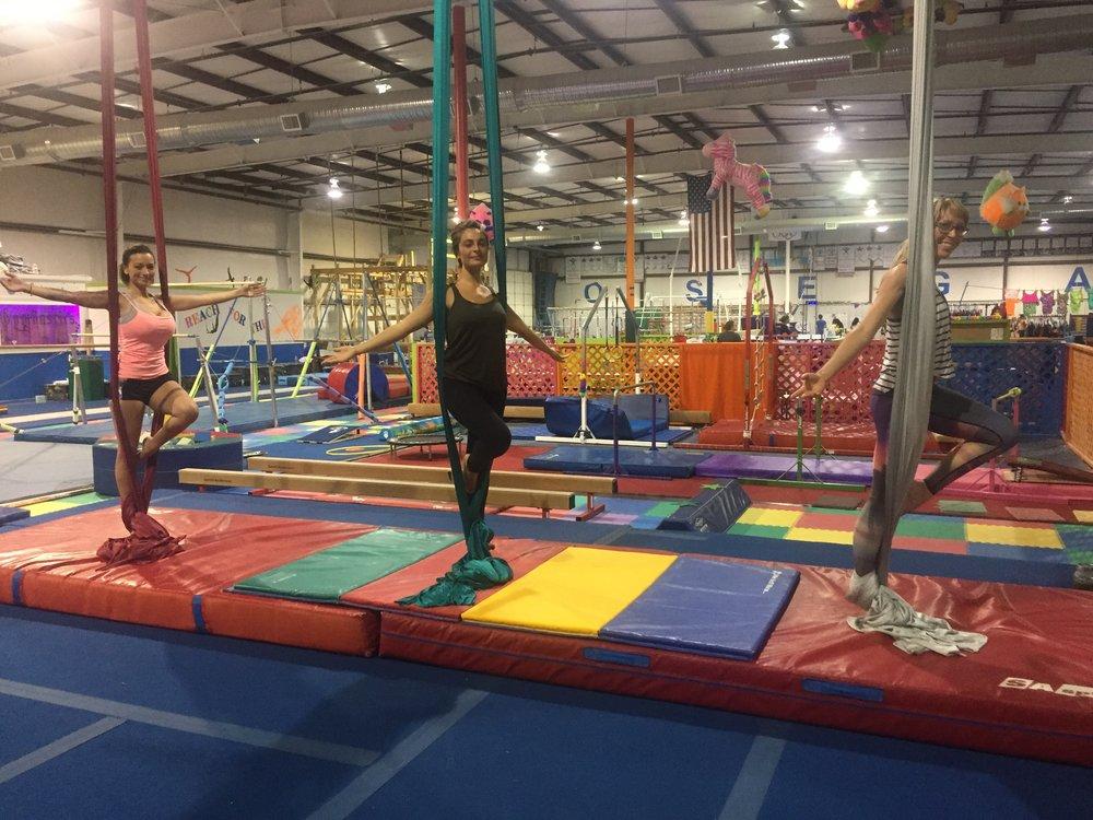 aerial-acrobatics-circus-adults