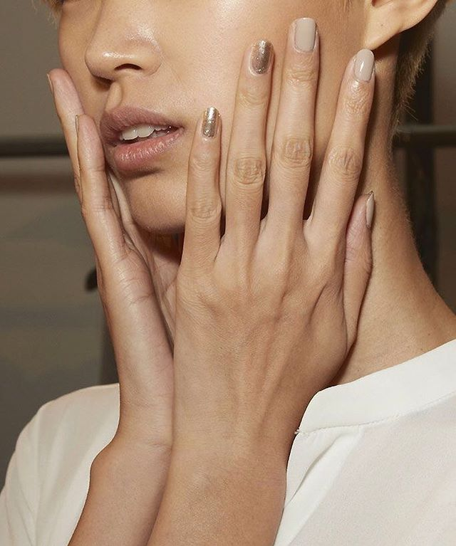 Major manicure inspiration right here! How To Get The Perfect Natural DIY Manicure is now live on the website. Image via @pinterest