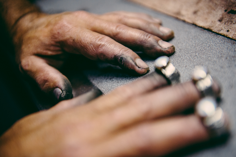 Payet-jewellers-hands-at-work.jpg