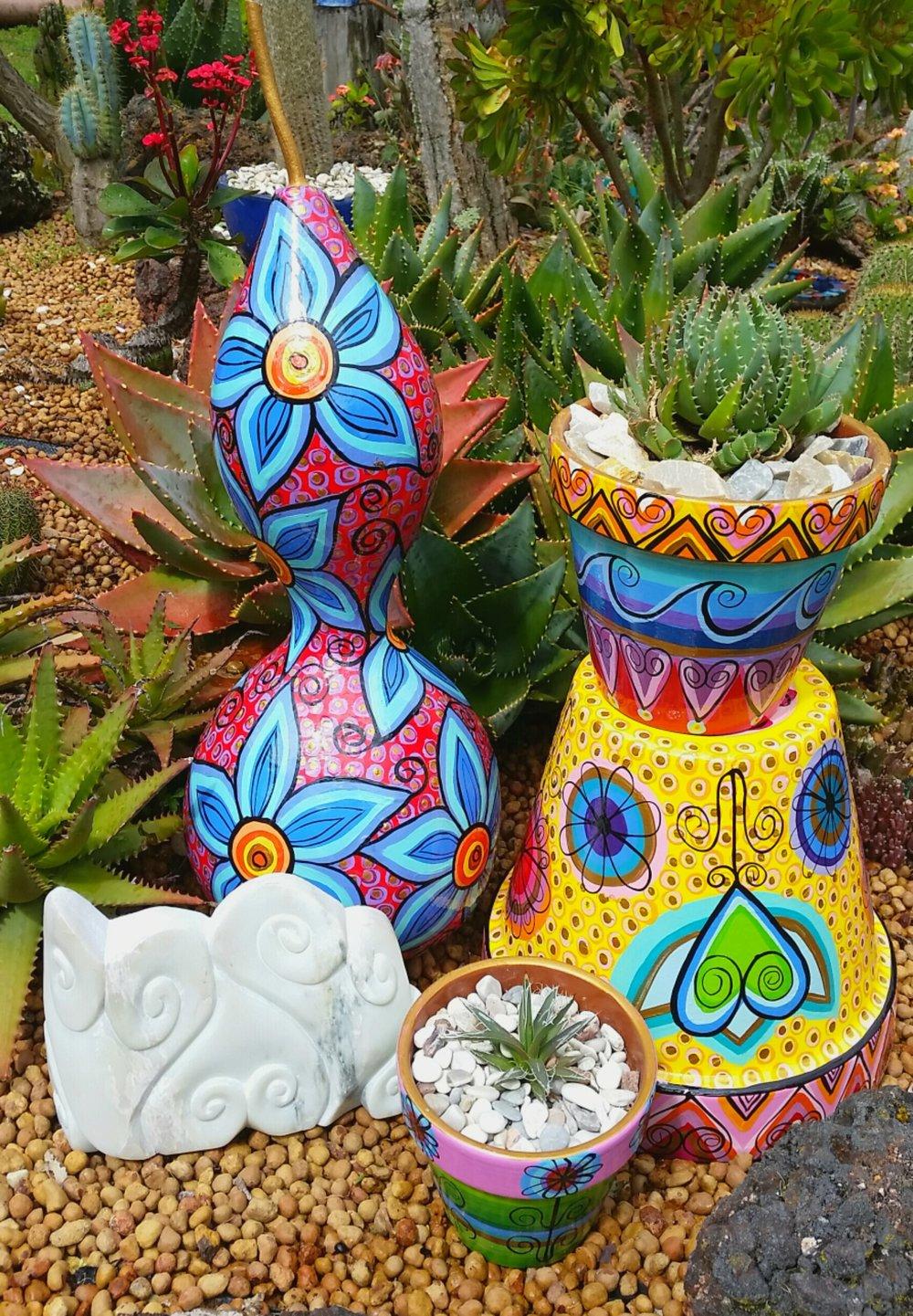 J.Alferink-pots-gourd-soapstone-carving.jpeg.jpg