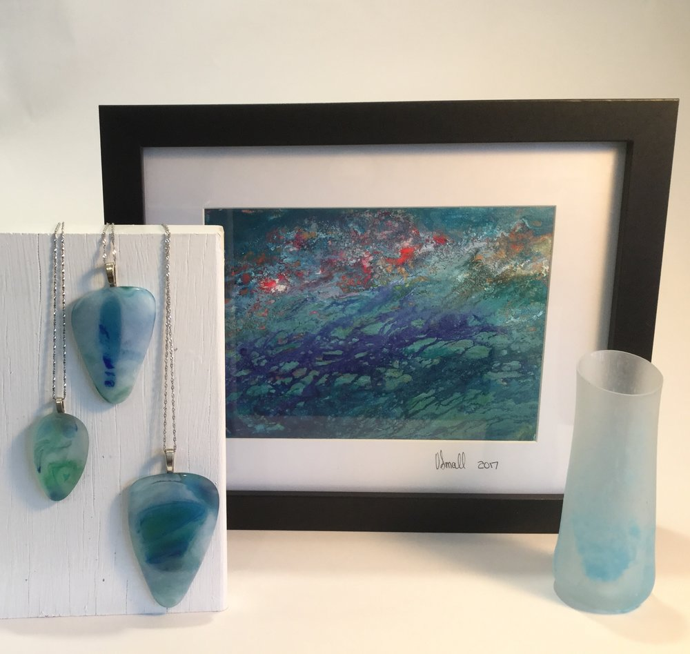 VSmall_Pendants-glass_-Lilly-Pond-_-Ink-Low-tide_slumped-glass.jpg
