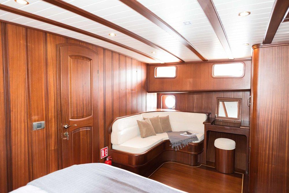 11 - Forward Cabin Sitting Area.jpg