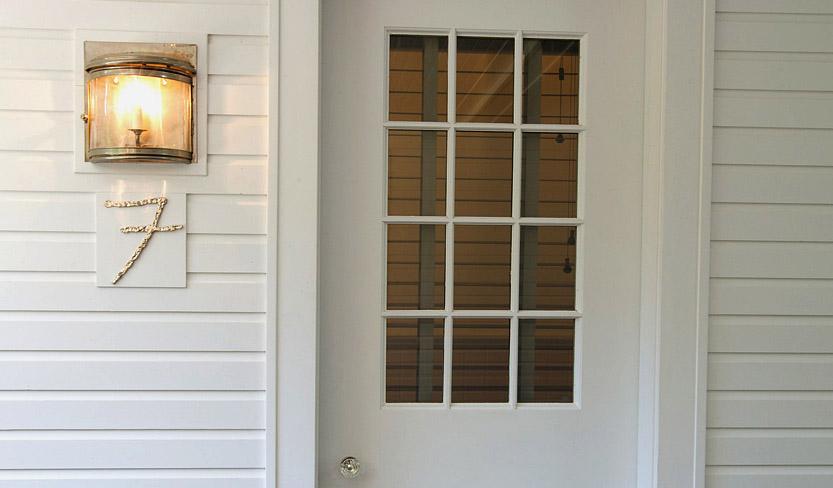 suite7_door.jpg