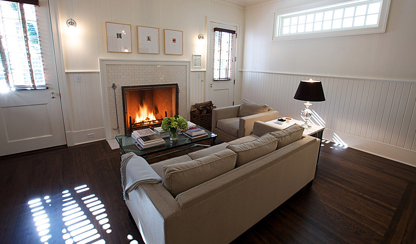 suite2_livingroom.jpg