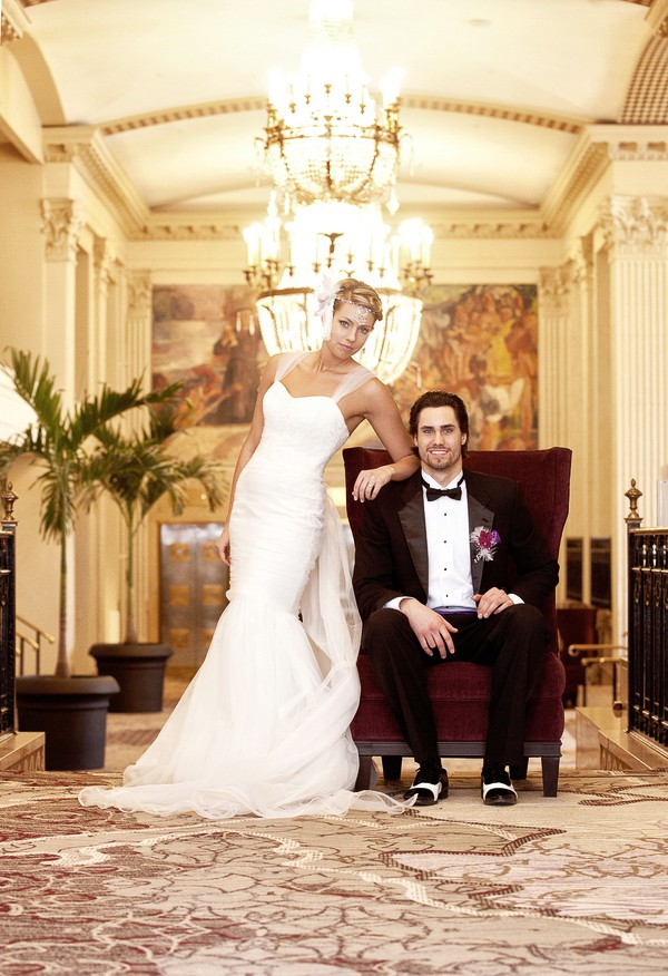 Peoria Marriott Pere Marquette vintage styled shoot captured by Studio Blunier. Featured on Trendy Groom.
