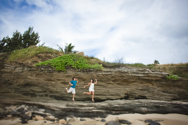 Romantic Hawaii engagement photos. Captured by Creatrix Photography. Featured on Trendy Groom.