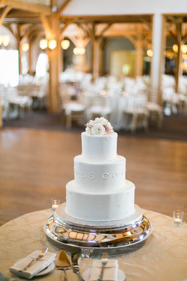 Elegant-Farm-Wedding-in-Massachusetts-17
