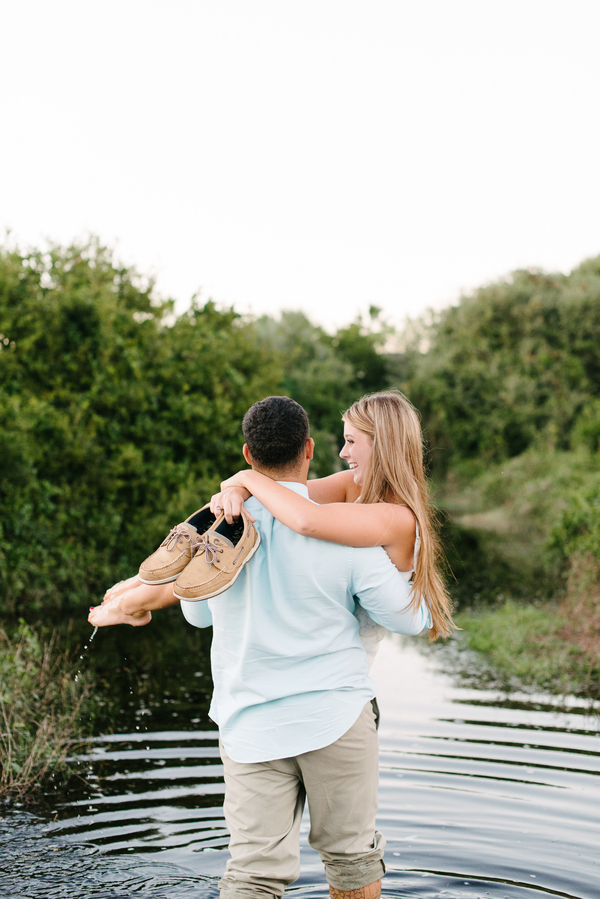boone-hall-plantation-engagement-portraits_-10
