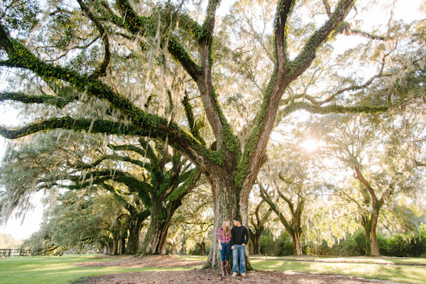boone-hall-plantation-engagement-portraits_