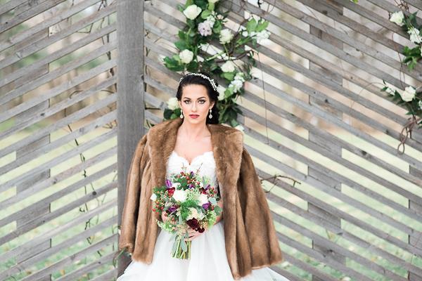 winter-wedding-love-5