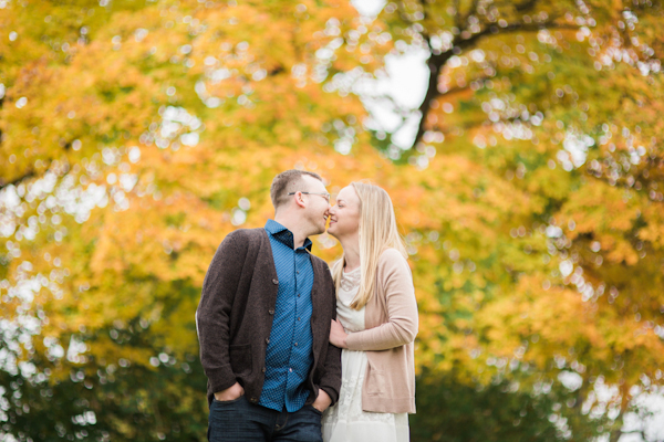 columbus-ohio-fall-engagement-session-5