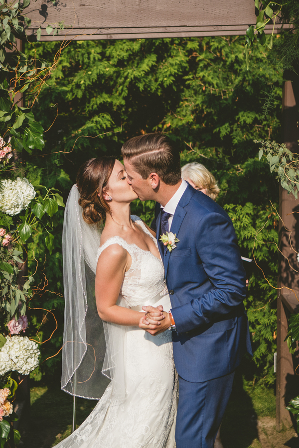 elegant-miller-lash-house-ontario-wedding_-8