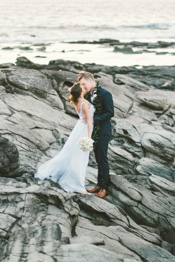 intimate-elegant-maui-wedding-11