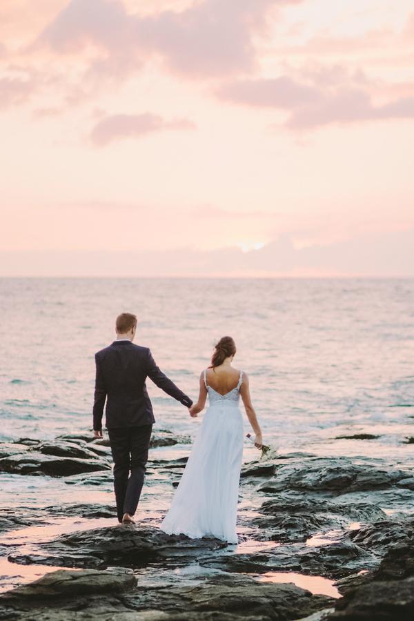intimate-elegant-maui-wedding-12