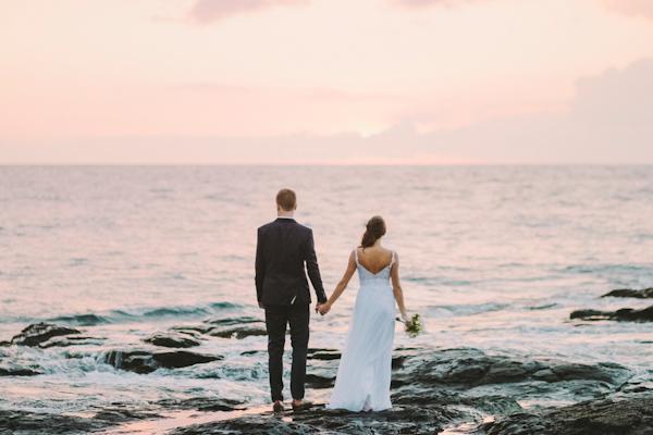 intimate-elegant-maui-wedding-13