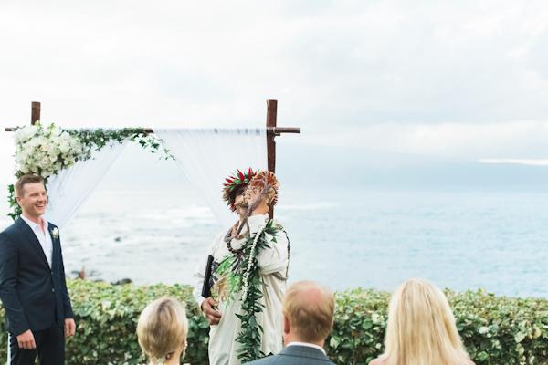 intimate-elegant-maui-wedding-2