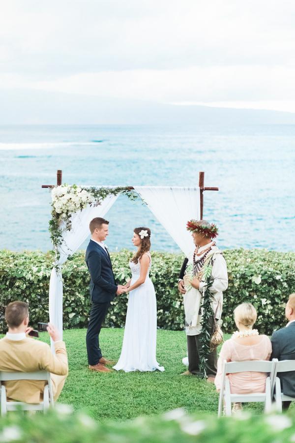 intimate-elegant-maui-wedding-3