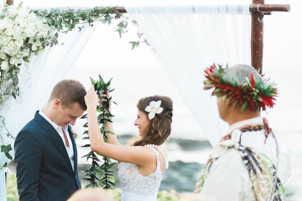 intimate-elegant-maui-wedding-8