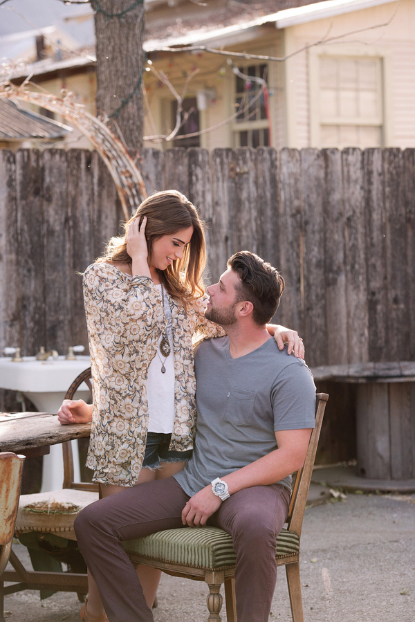 new-braunfels-antique-store-engagement-session_-4