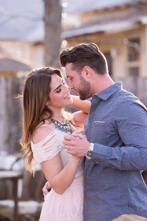 new-braunfels-antique-store-engagement-session_-8