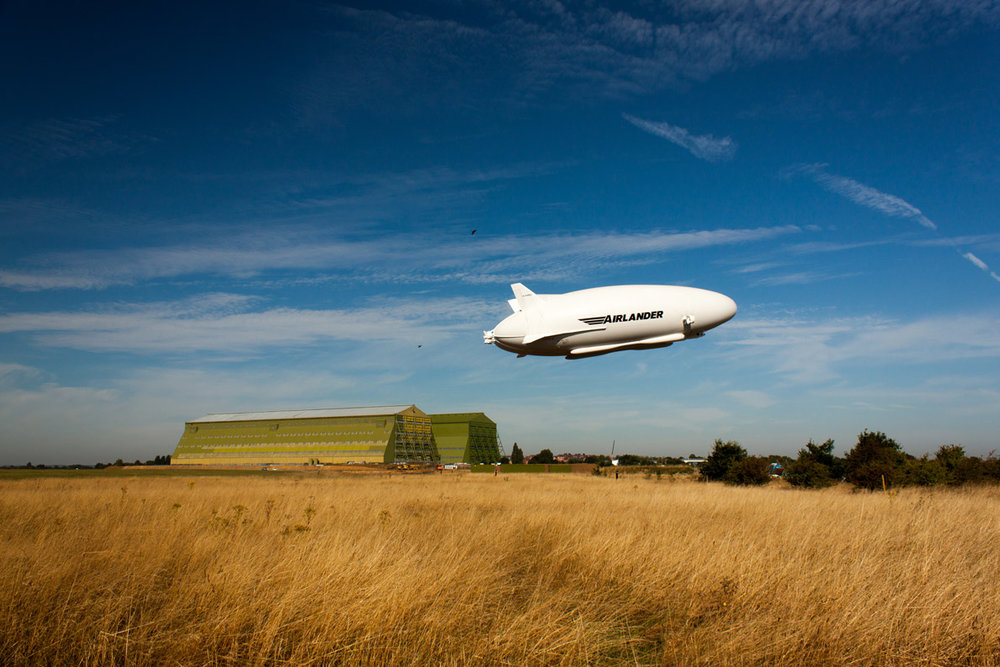 Airlander-flying-past-hangars---Ivor-Pope.jpg