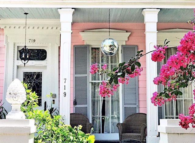 It's Wednesday and that means time to relax on a pink porch! 🥂🍾🌸 📷 : @davidnola . . . . . . #selfcare #goodqueenbess #flowers #rose #roses #discoball #porches #neworleans #winetime #onwednesdayswewearpink #nola #neworleansliving #weinthenolababy #talesofthecocktail #totc #discoball #disco