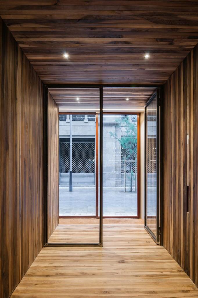 isay-weinfeld-green-spot-restaurant-barcelona-interiors-designboom-11-682x1024.jpg