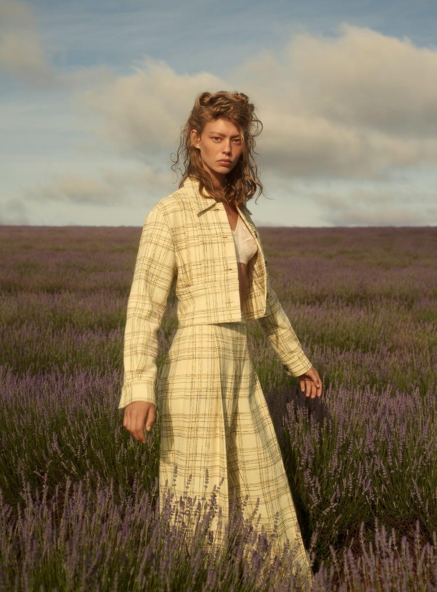 Wool-Magazine-Spring-2018-Ondria-Hardin-Saskia-Wilson-3.jpg