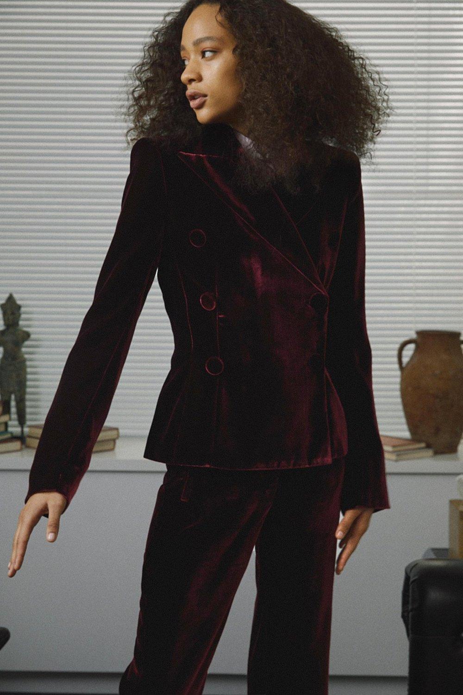 03-Khaite-Selena27086_1024x.jpg