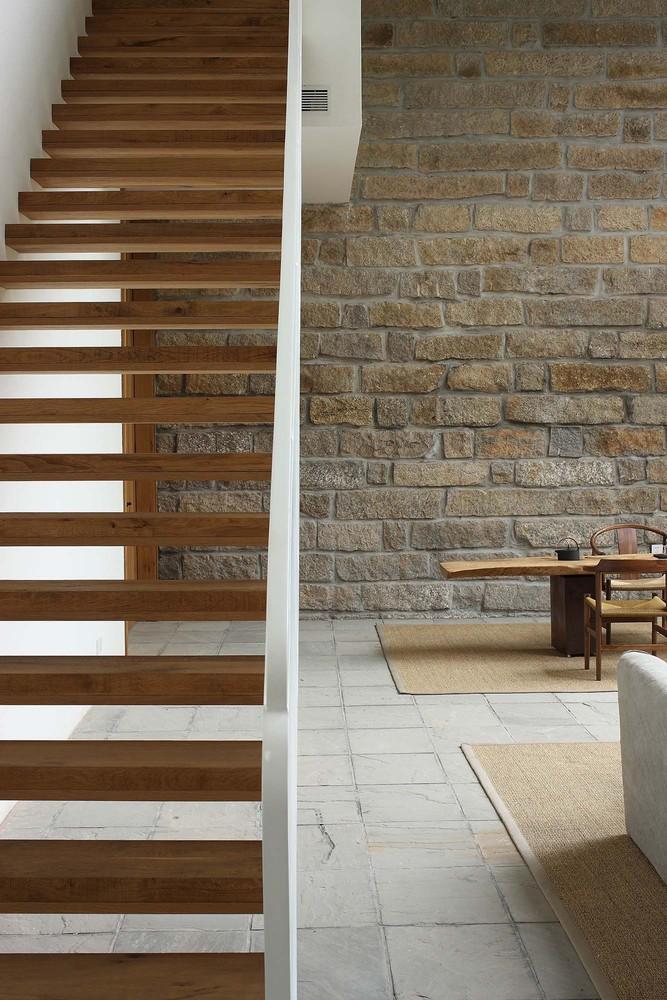 stair_1.jpg