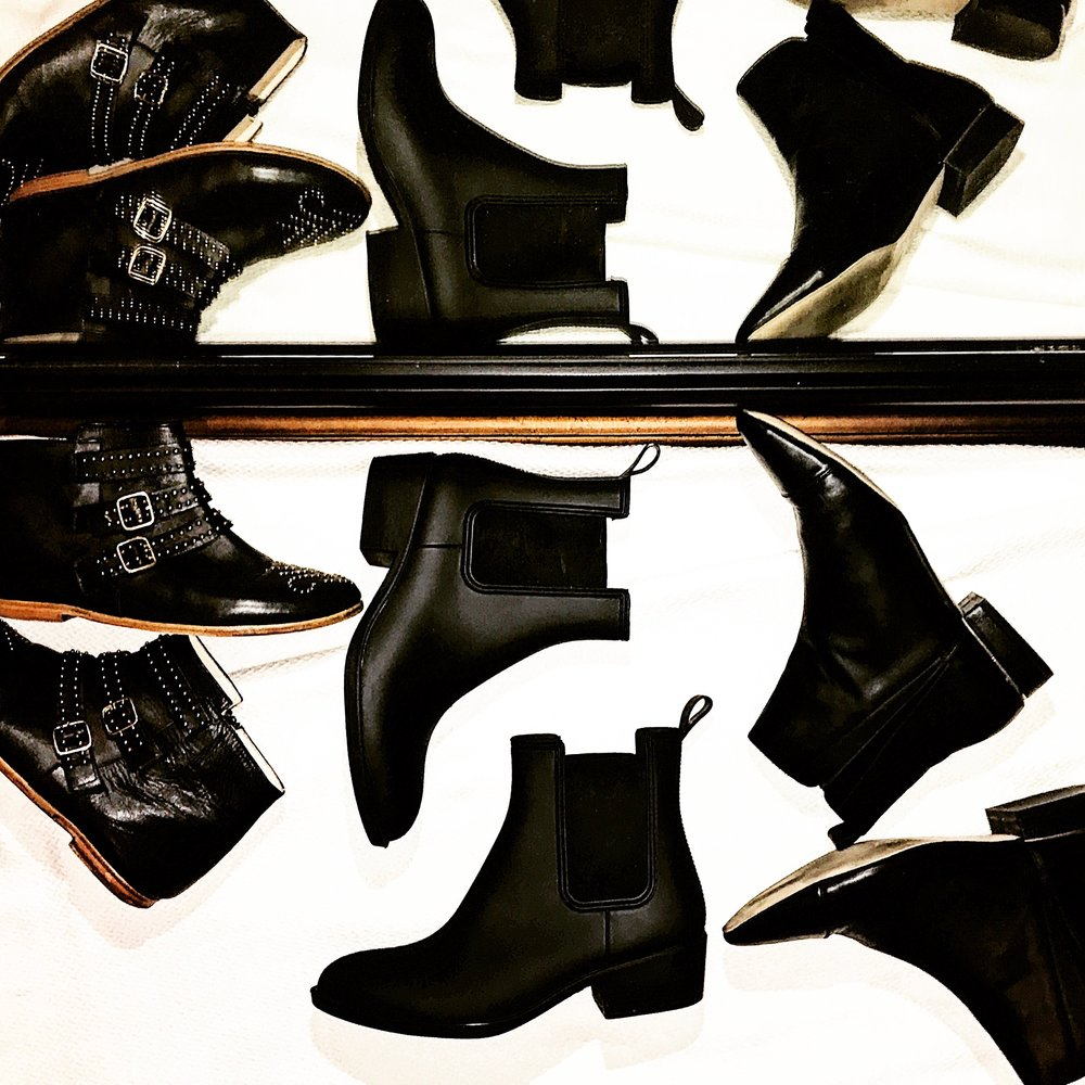 rain boots that are cute - i have had many a pair of shoes ruined so decided it was time to find a pair (or three) of shoes to wear when it rains (because when it rains it pours.)my top three finds! All under $1001. in the middle: jeffrey campbell
