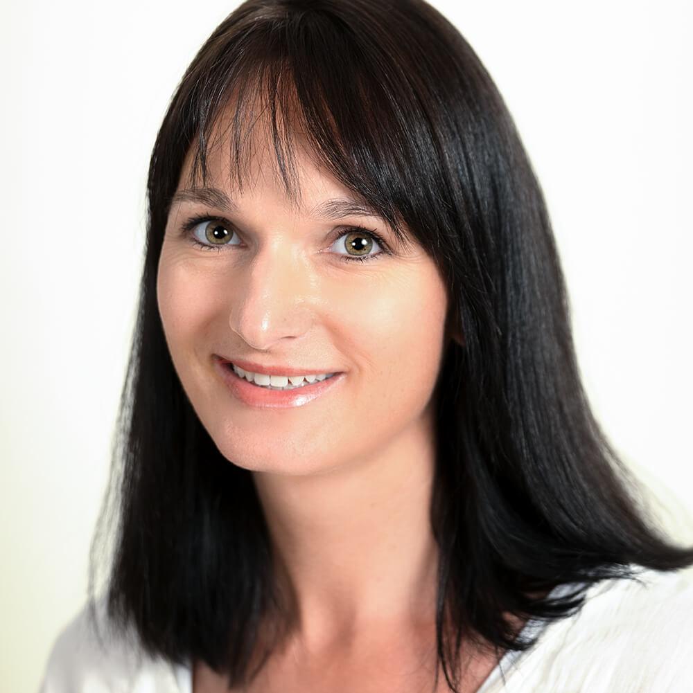 Evelyn Schlatter   Immobilienbewirtschaftung   E-Mail senden
