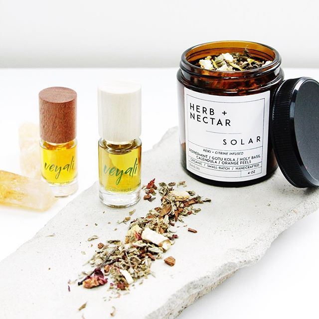 It's such a beautiful feeling to both create a wellness product that truly comes back to nature. Our blends are made from only high quality, organic, ethically sourced herbs. ⠀⠀⠀⠀⠀⠀⠀⠀⠀ We love working with and discovering like-minded brands like @shopveyali - who create from the Earth's natural offerings. Her botanical perfumes are to die for!