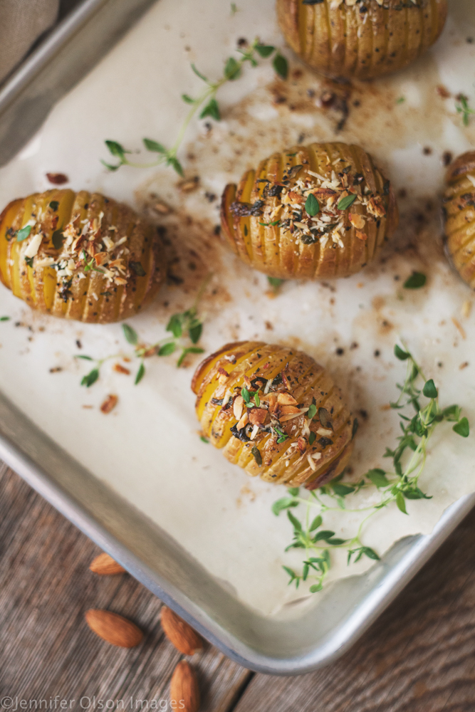HASSELBACK POTATOES - food // baking