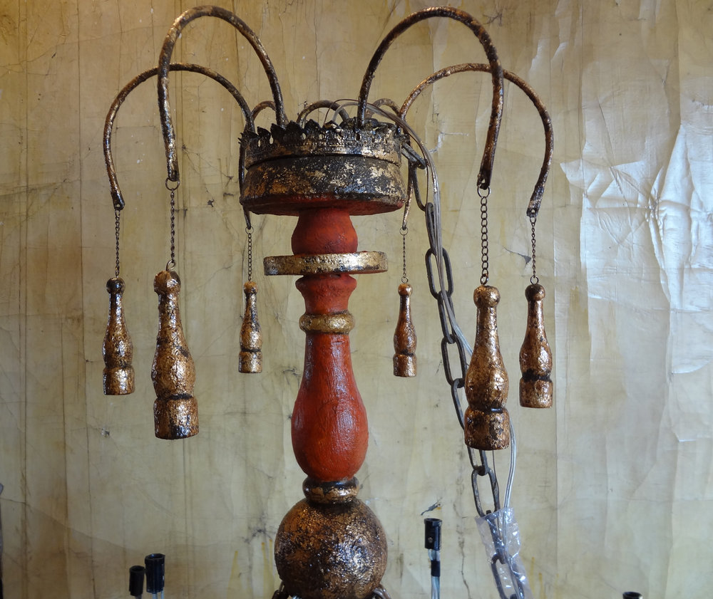 chandelier redDSC00074.jpg