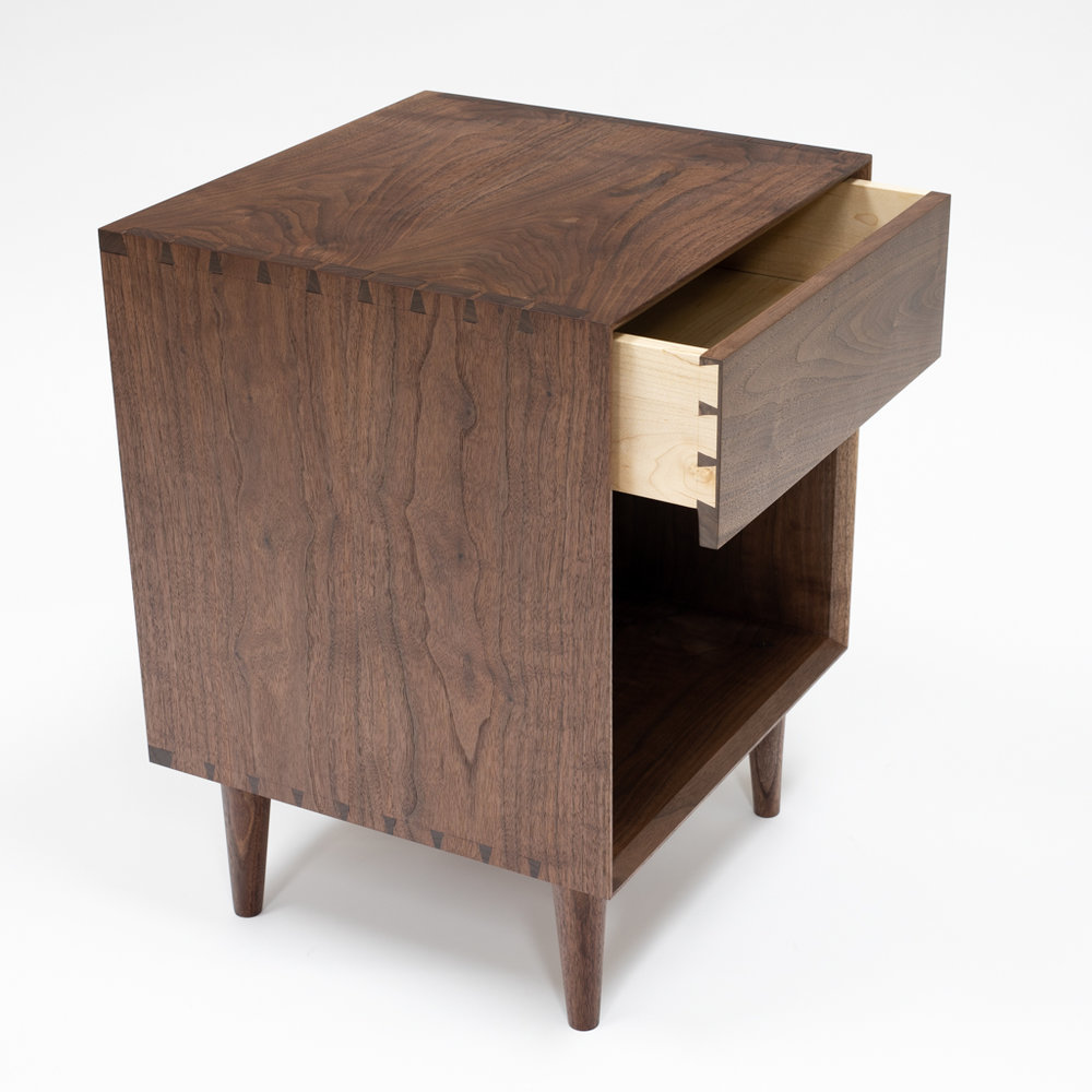 Mid Century Modern Nightstand with drawer.