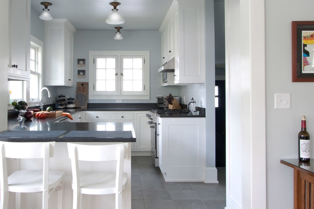 Kitchen - Dutch Colonial