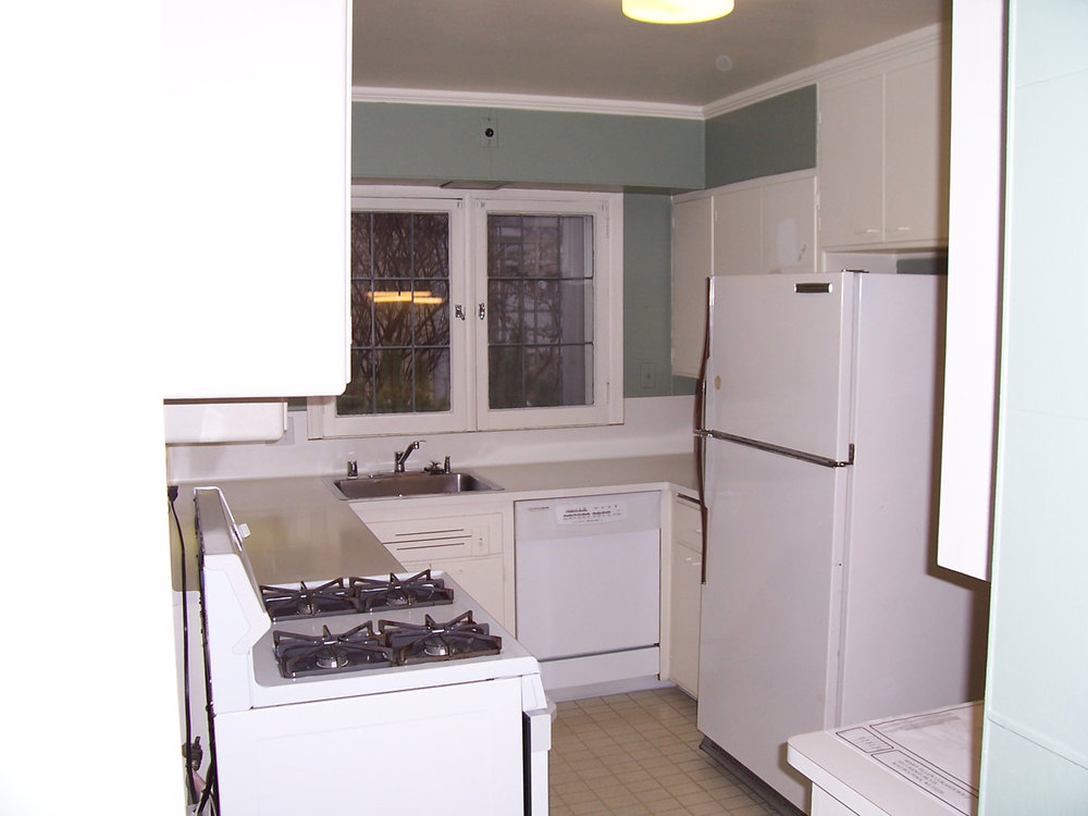 Cape-Cod-kitchen-before.jpg