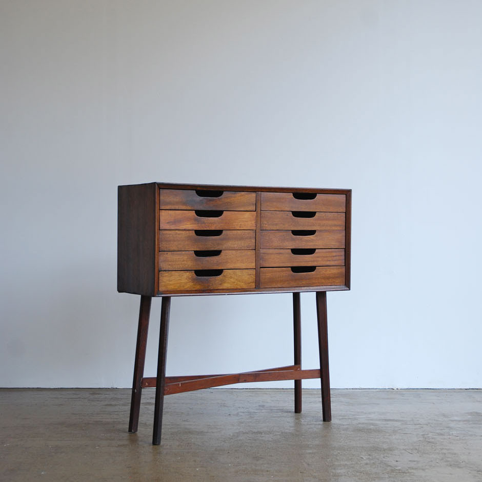 PV5863-1_1950_s_Walnut_Drawer_Console_1024x1024