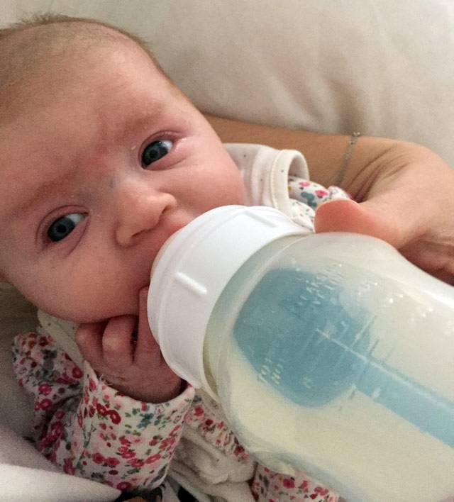 formula-feeding-lifebylotte